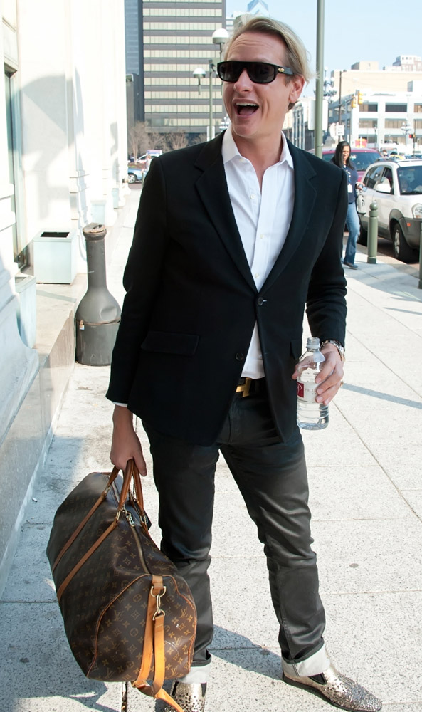 5e92326e988f The Many Bags of Accessory-Loving Male Celebrities - Page 2 of 37 ...
