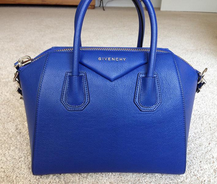 Синяя сумка прада
