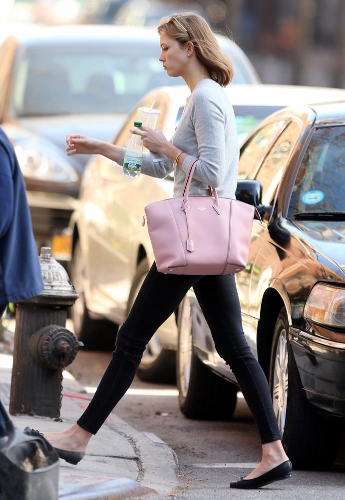 Karlie Kloss Louis Vuitton Bag2