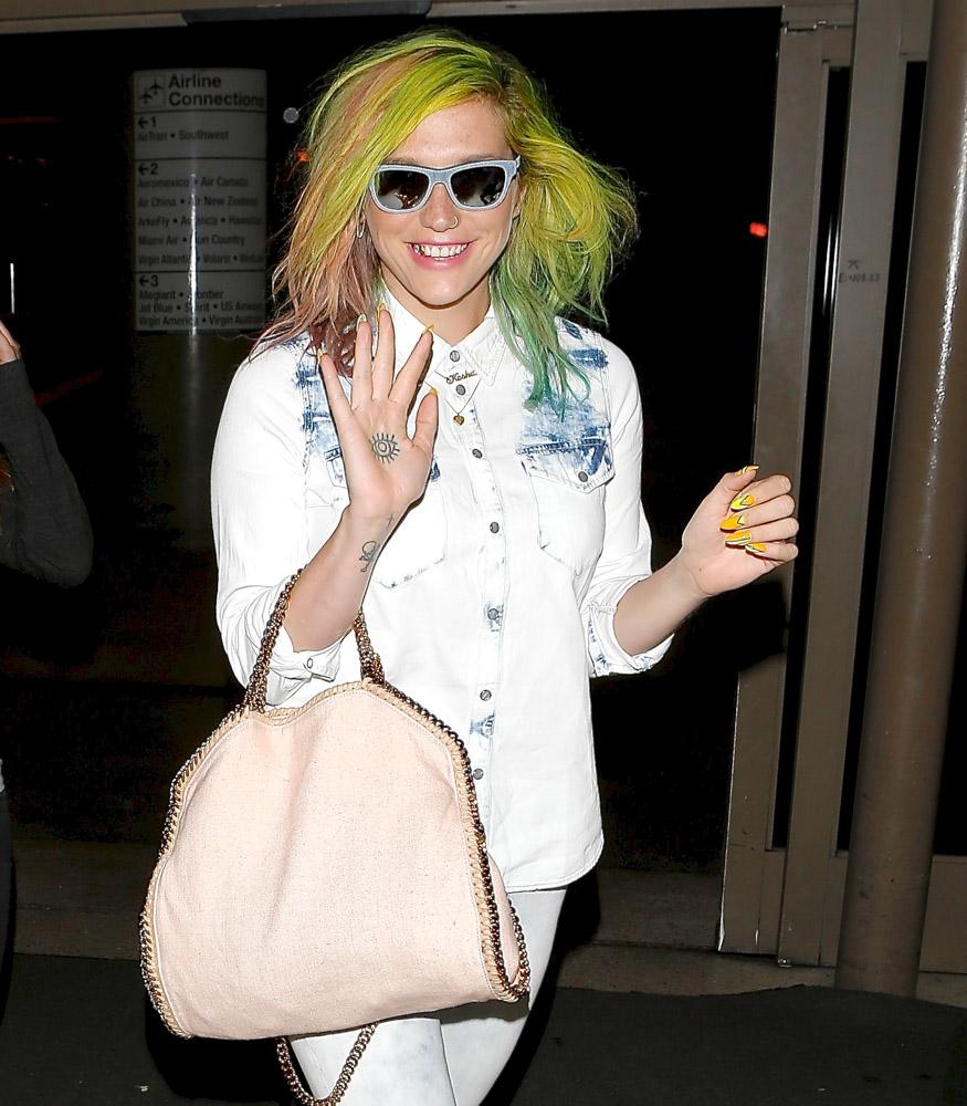 Kesha Stella McCartney Falabella Bag-3