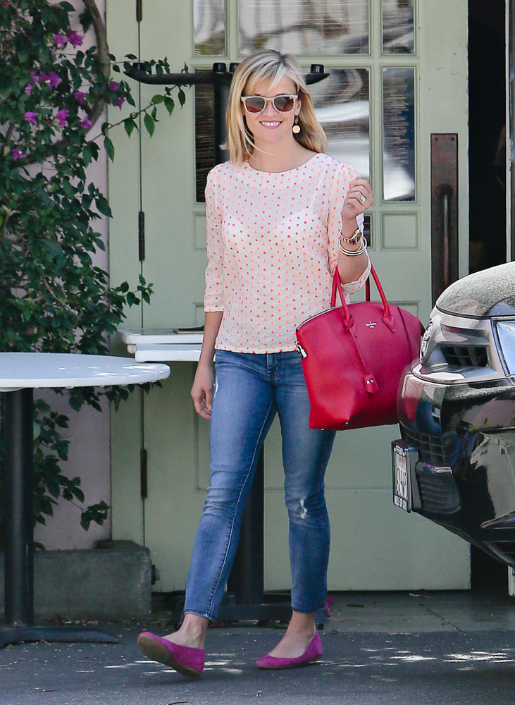 Reese Witherspoon Louis Vuitton Soft Lockit Bag-1