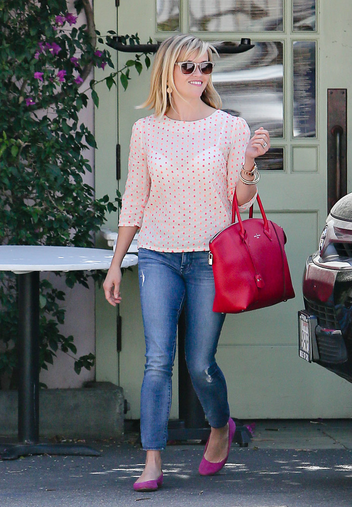 Reese Witherspoon Louis Vuitton Soft Lockit Bag-3