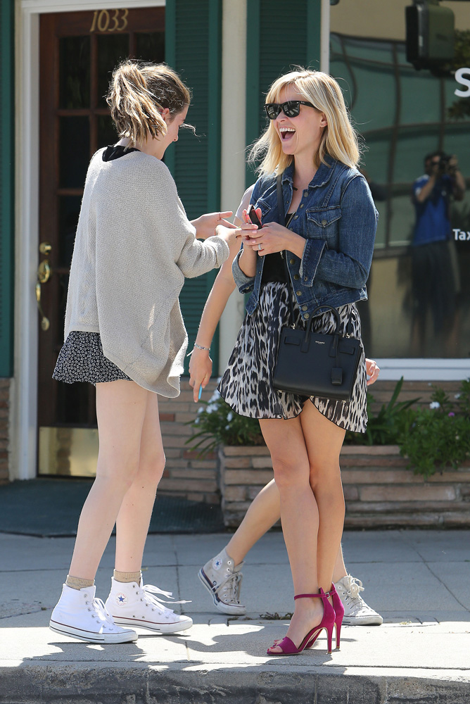 Reese Witherspoon Shops With A Mini Saint Laurent Bag