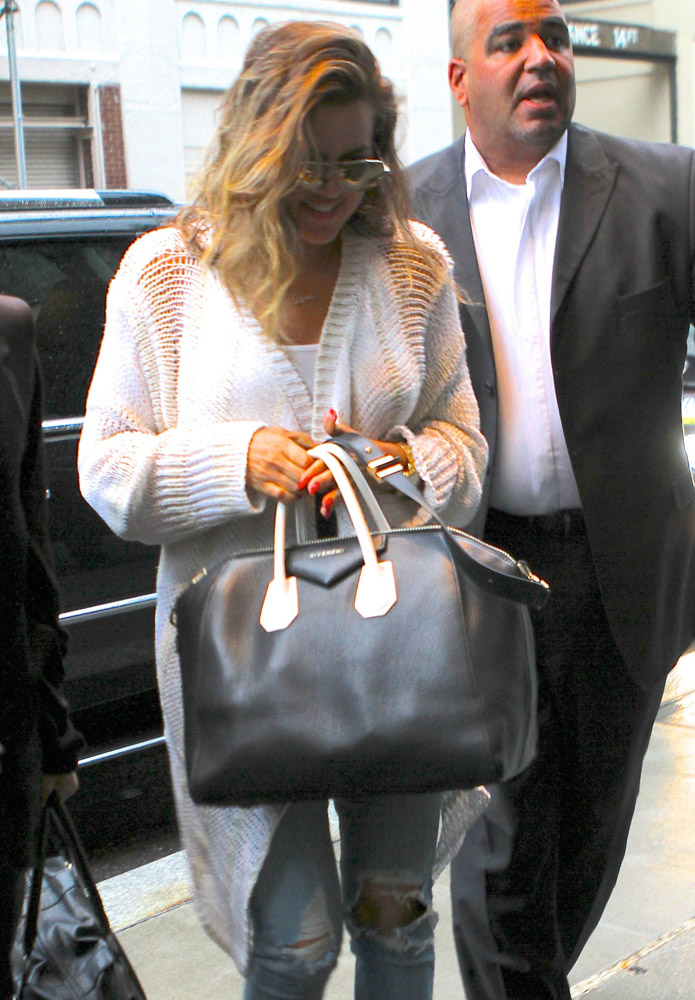 The Many Bags of Khloe Kardashian-1