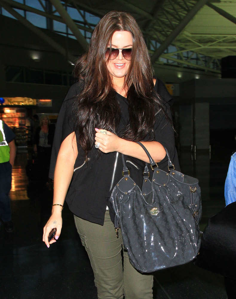 The Many Bags of Khloe Kardashian-12