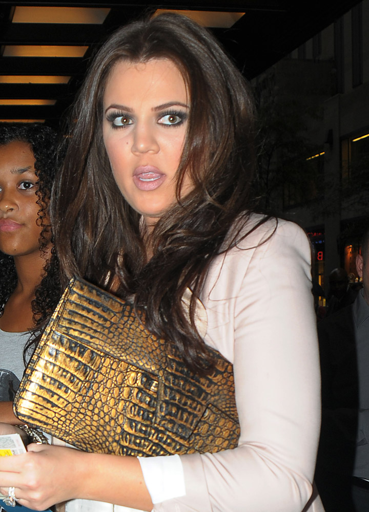 The Many Bags of Khloe Kardashian-13