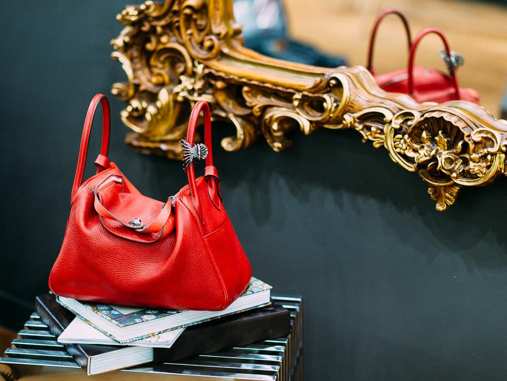 What's In Her Bag: Kei Izawa (1)