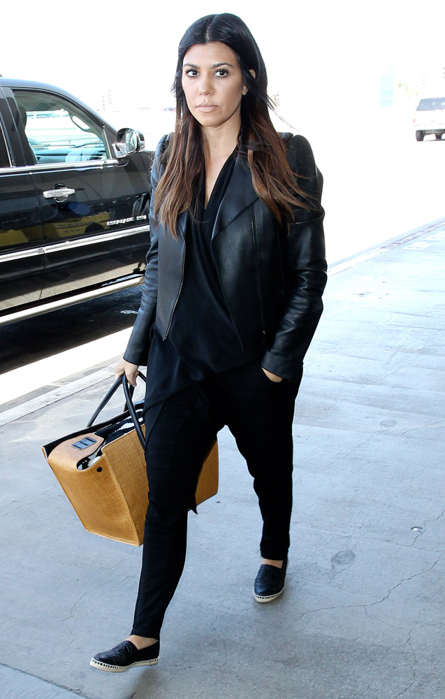 Kourtney Kardashian Carries an Overstuffed Celine Knot Tote - PurseBlog d5c6759f0d145