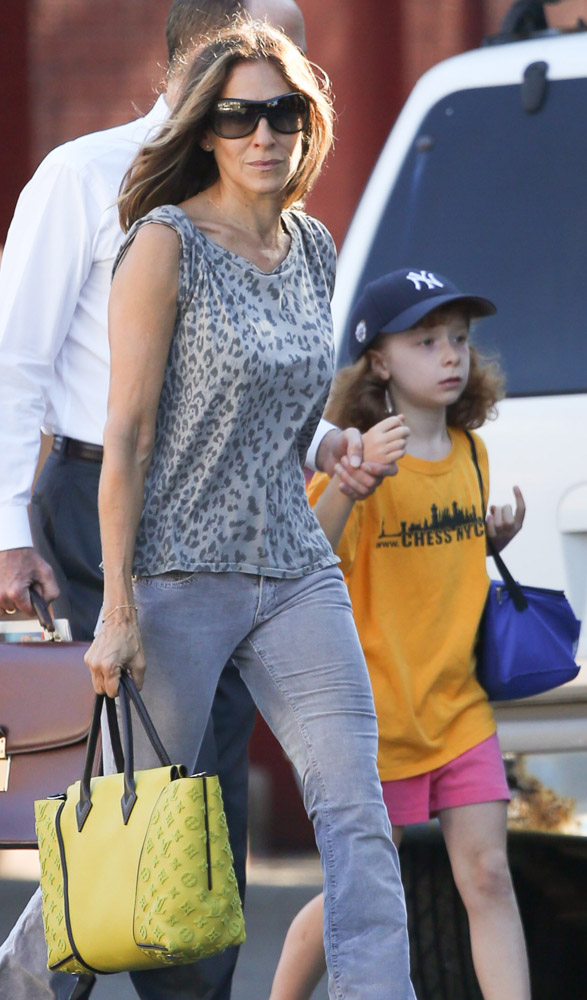 The Many Bags Of Celebrity Moms 27
