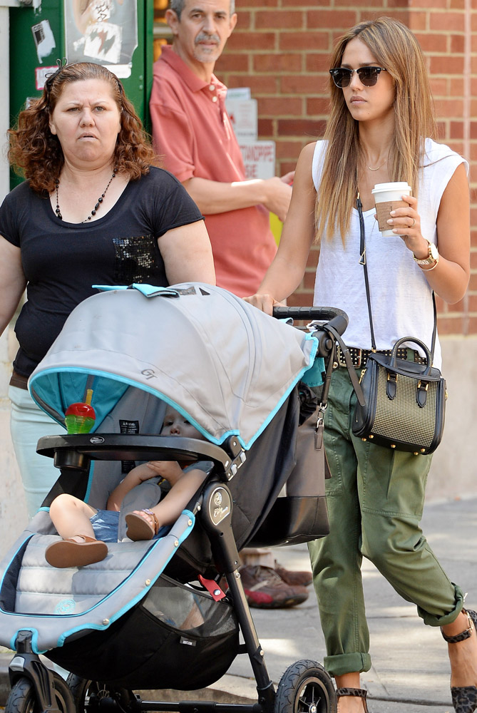 The Many Bags of Celebrity Moms-28