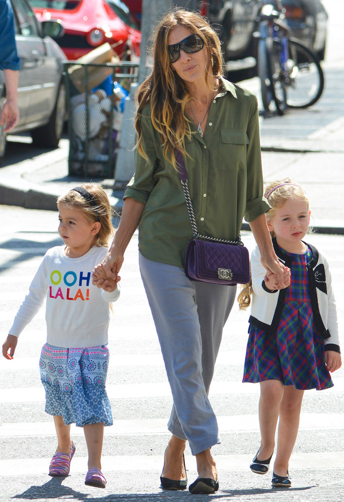 The Many Bags of Celebrity Moms-29