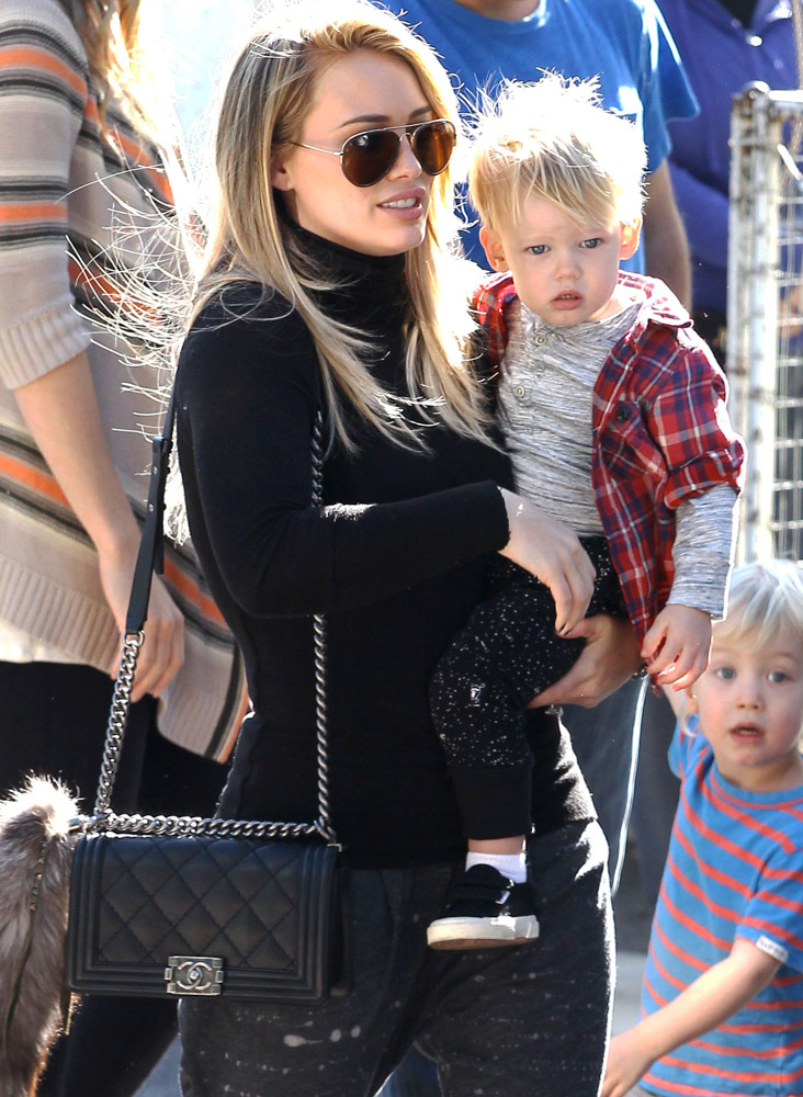 The Many Bags of Celebrity Moms-32