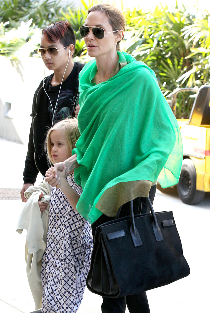 The Many Bags of Celebrity Moms-38