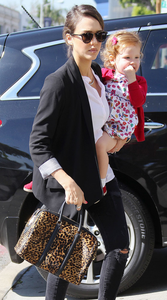 The Many Bags of Celebrity Moms-39