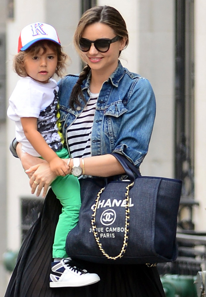 The Many Bags of Celebrity Moms-43