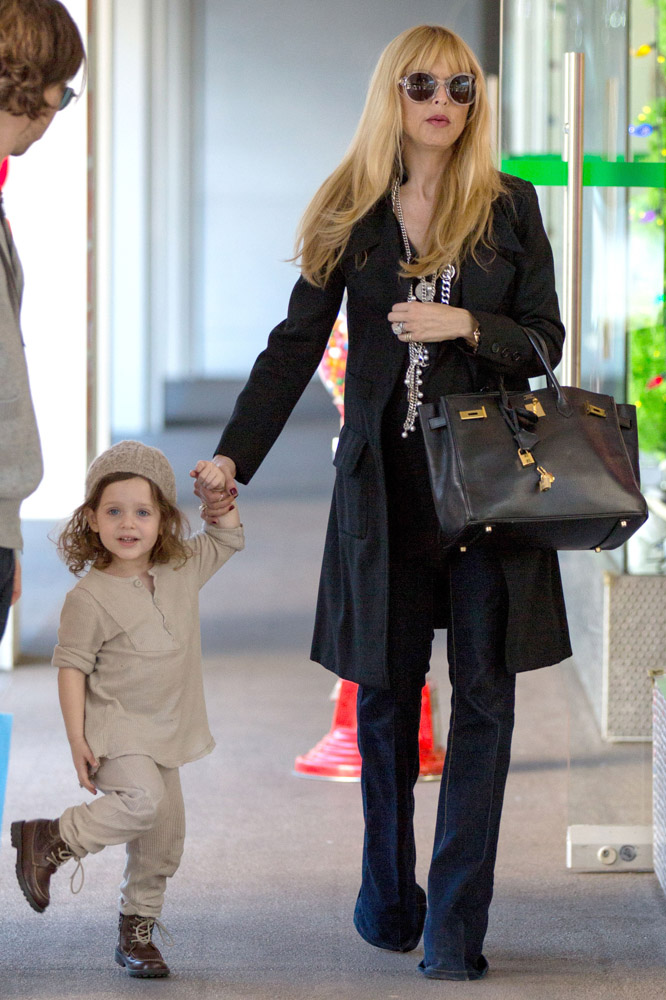 The Many Bags of Celebrity Moms-8