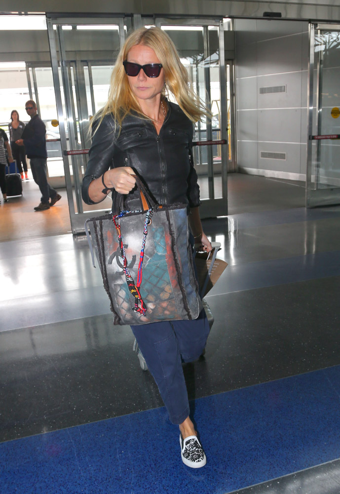 Gwyneth Paltrow Chanel Graffiti Tote-2
