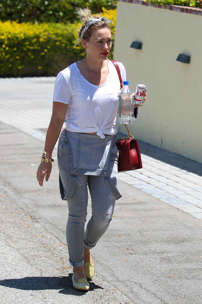 Hilary Duff Chanel Boy Bag-4