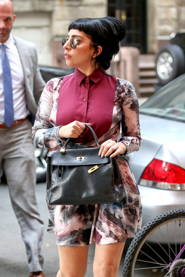 Lady Gaga Hermes Vintage Kelly Bag-3