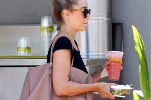 Lauren Conrad and her Balenciaga Bag Prove That Sometimes Stars are Just Like Us