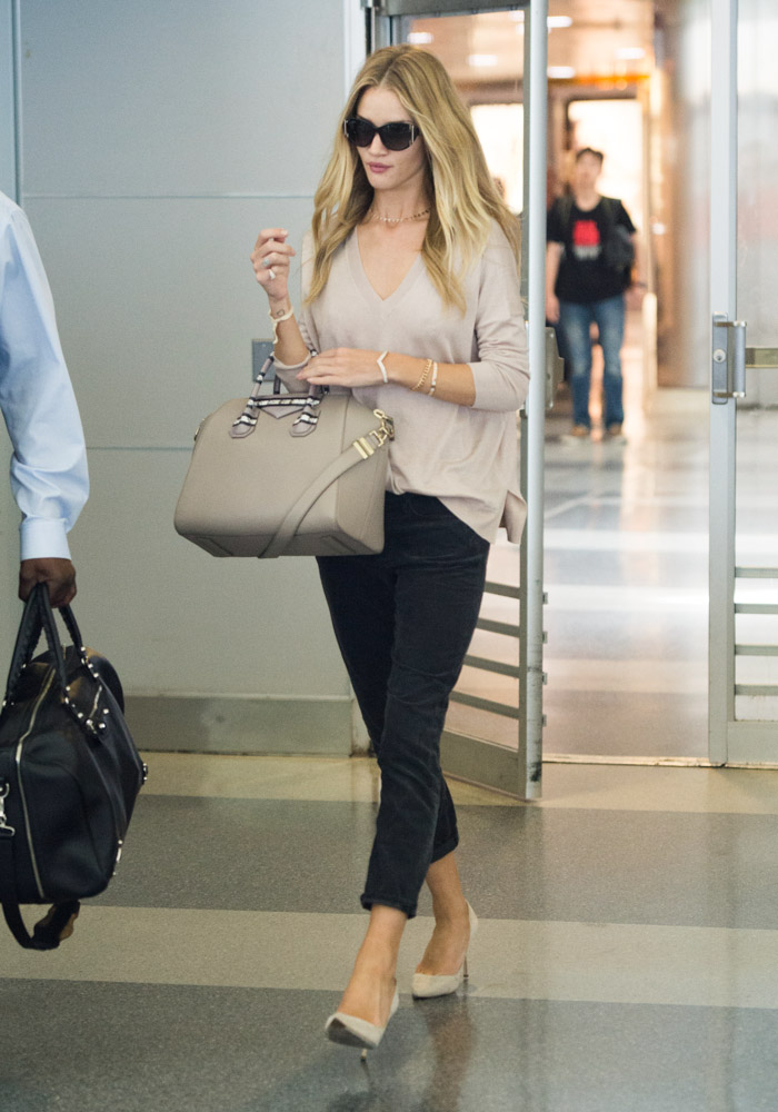Rosie Huntington-Whiteley Givenchy Antigona Bag-1