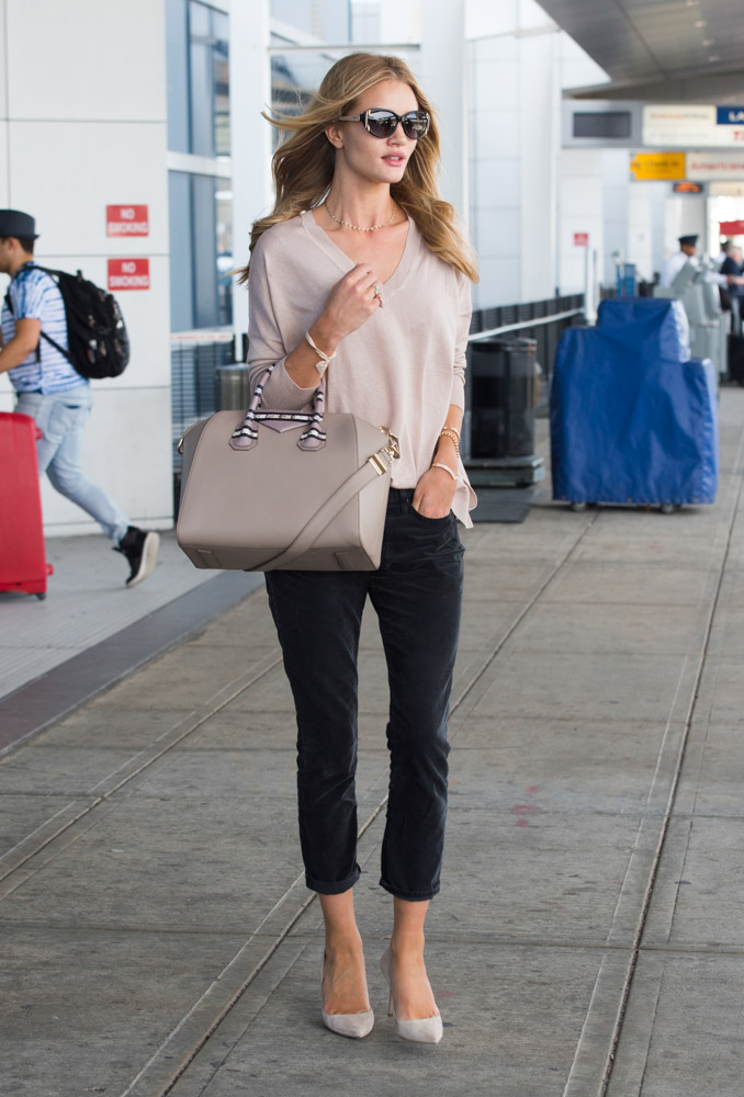 Rosie Huntington-Whiteley Givenchy Antigona Bag-4