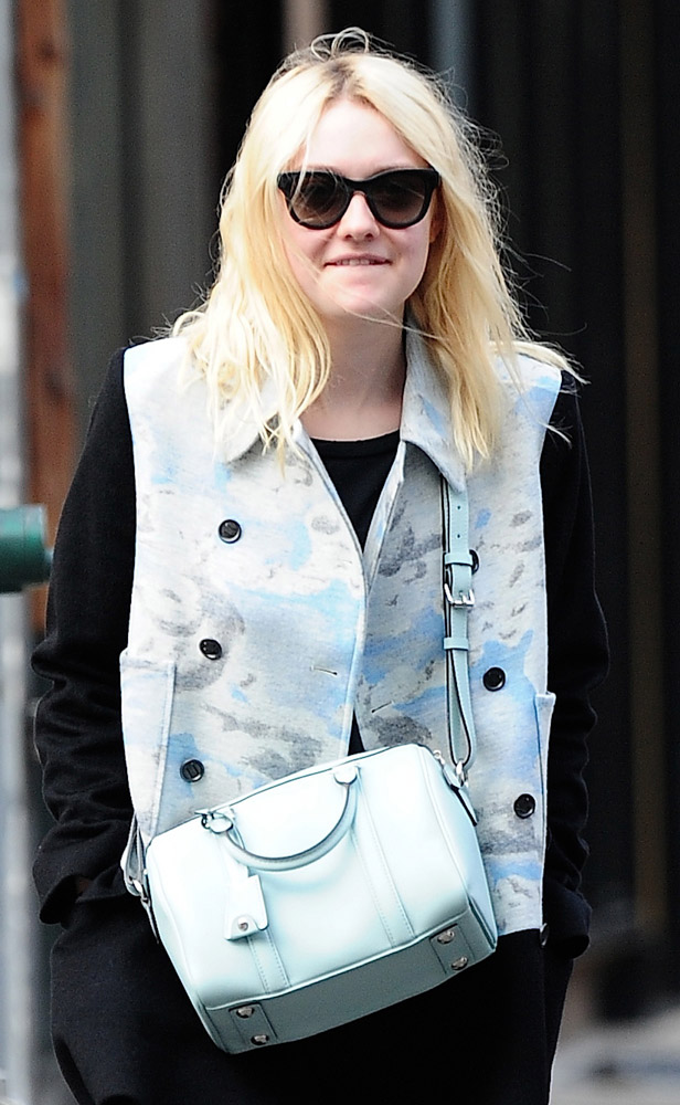 The Many Bags of Dakota and Elle Fanning-19