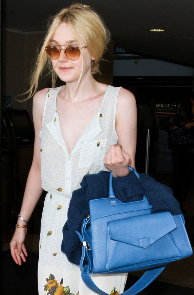 The Many Bags of Dakota and Elle Fanning-21