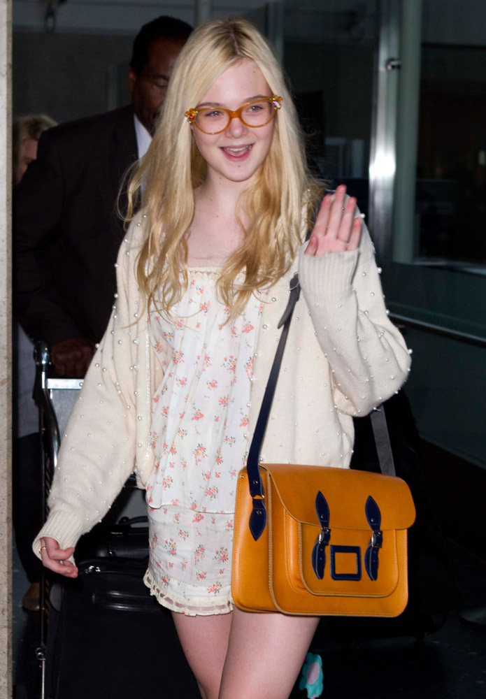 The Many Bags of Dakota and Elle Fanning-4