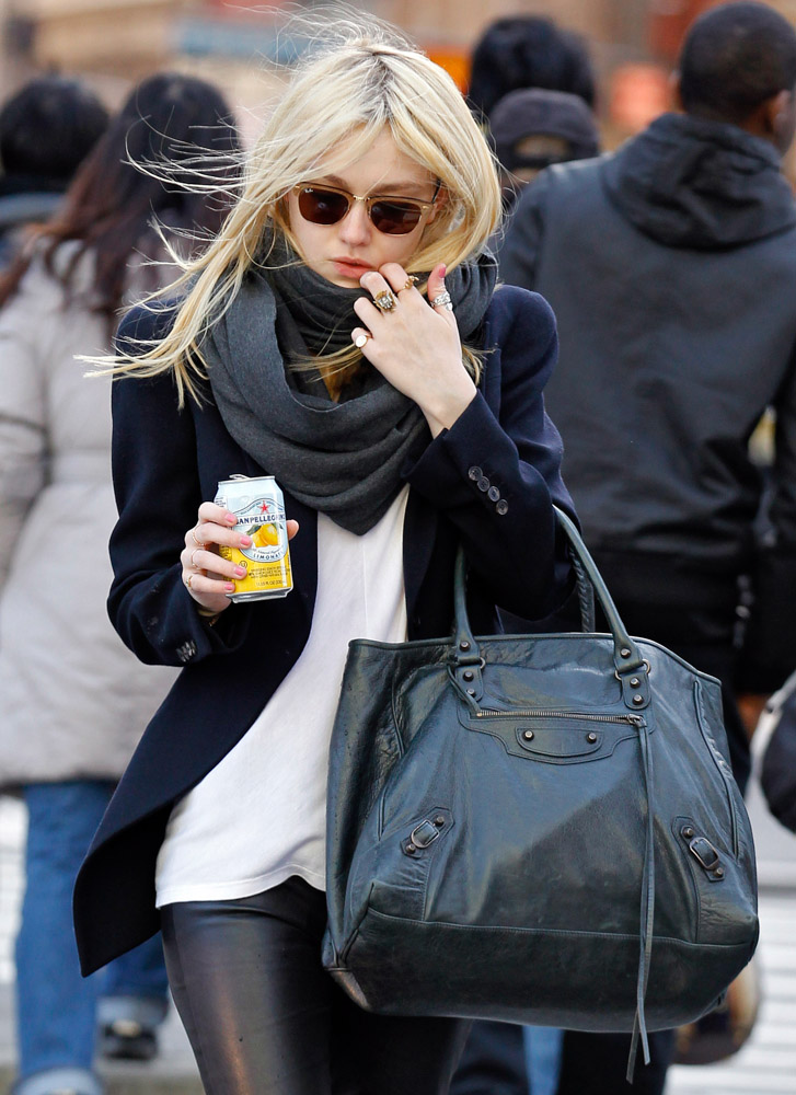 The Many Bags of Dakota and Elle Fanning-9