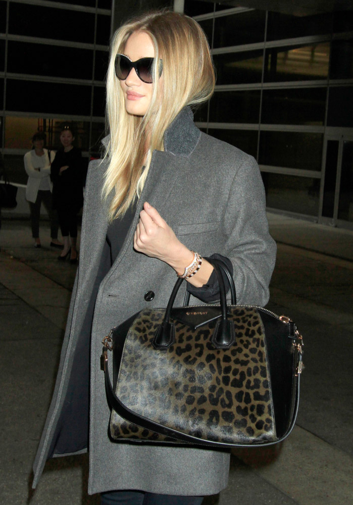 Celebrities Carrying Givenchy Antigona Bags-18