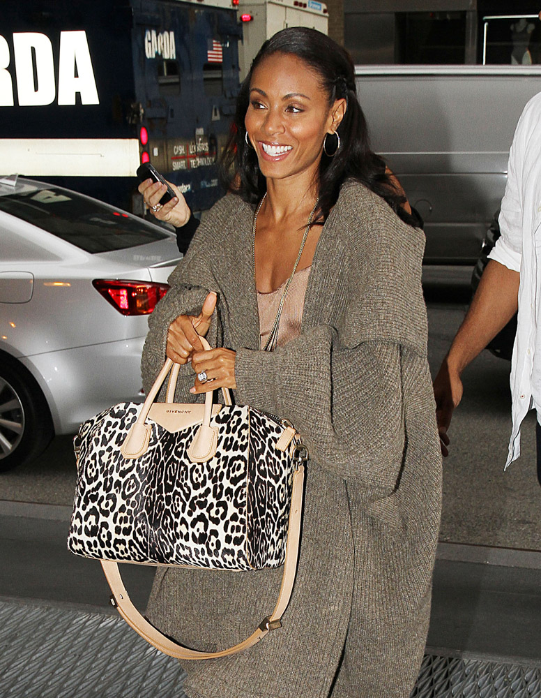 Celebrities Carrying Givenchy Antigona Bags-2