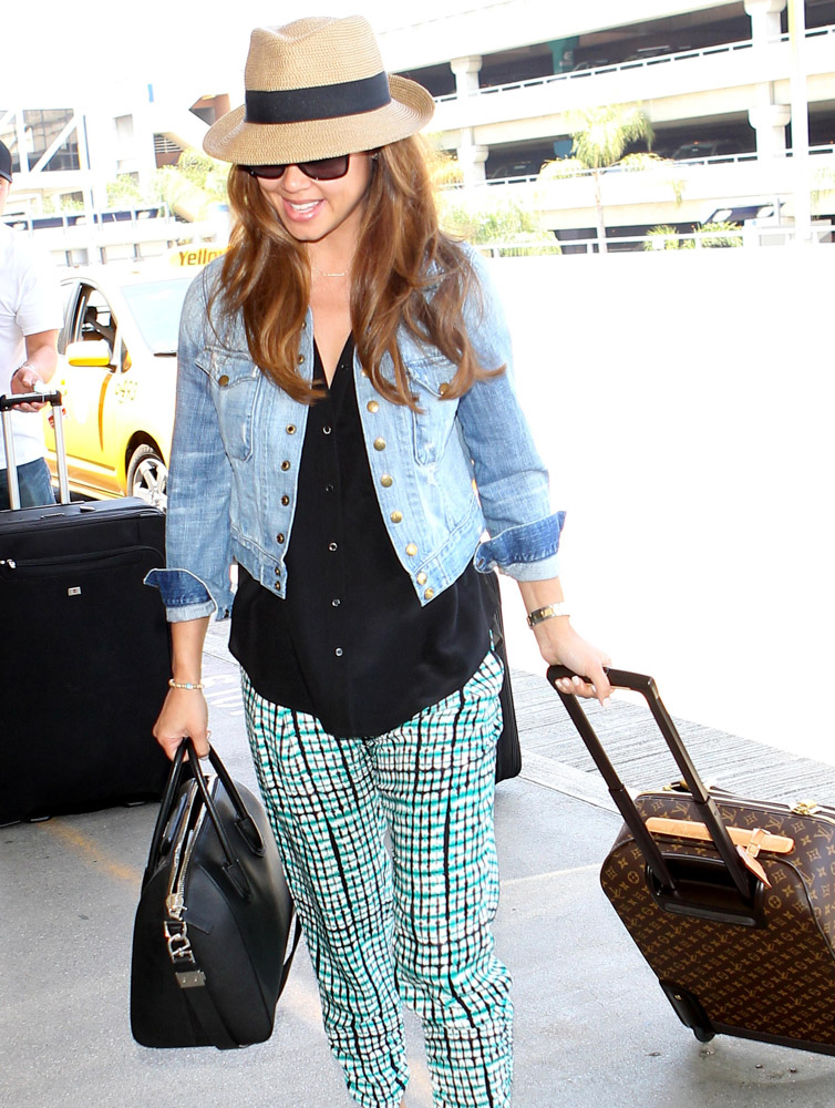 Celebrities Carrying Givenchy Antigona Bags-20