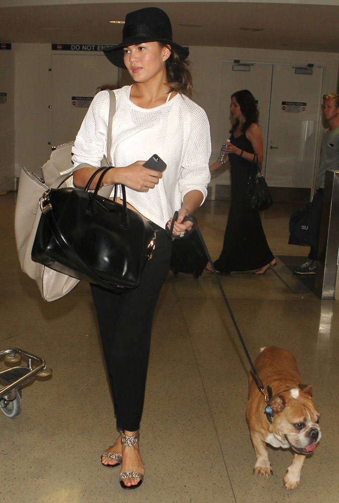 Celebrities Carrying Givenchy Antigona Bags-21