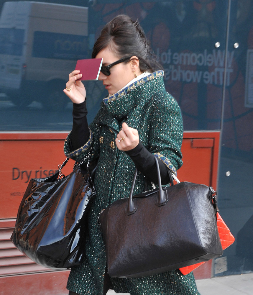 Celebrities Carrying Givenchy Antigona Bags-29