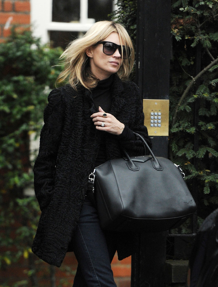 Celebrities Carrying Givenchy Antigona Bags-5