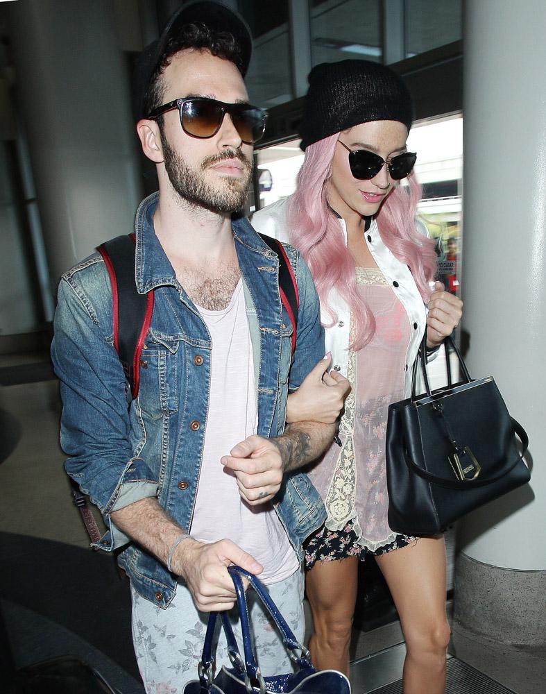 Kesha Fendi 2Jours Bag-4