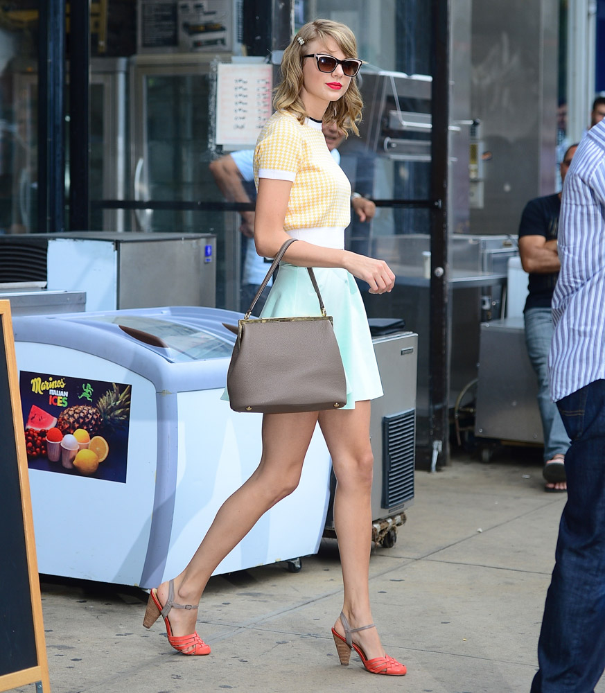 Taylor Swift Dolce & Gabbana Sara Bag-1