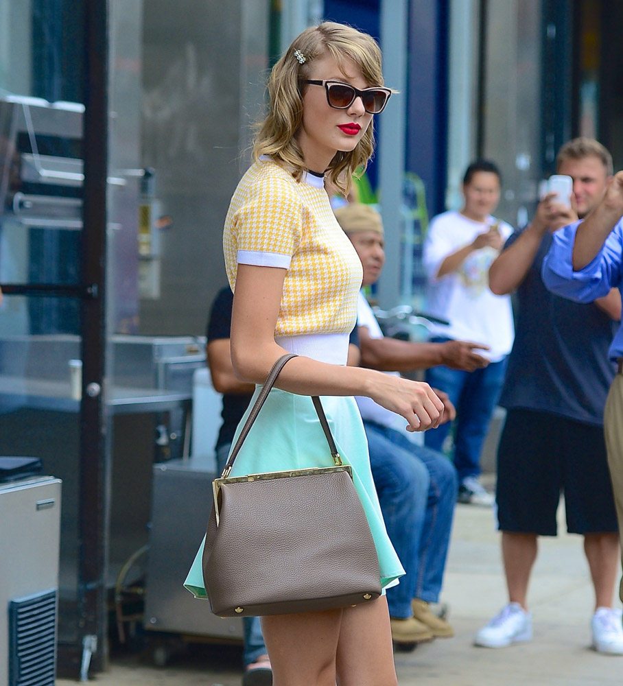 Taylor Swift Dolce & Gabbana Sara Bag-2