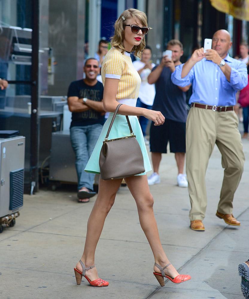 Taylor Swift Dolce & Gabbana Sara Bag-3