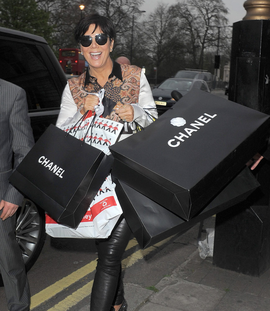 The Many Bags of Kris Jenner-12