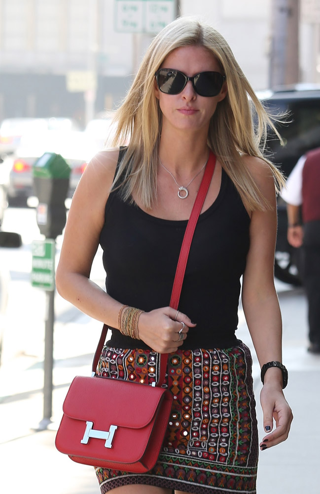 The Many Bags of Nicky Hilton Part 2-9