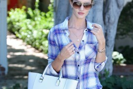 Rosie Huntington-Whiteley Enjoys a Sunny Day and a Victoria Beckham Tote
