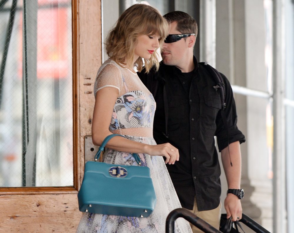 Taylor-Swift-Bulgari-Isabella-Rossellini-Bag