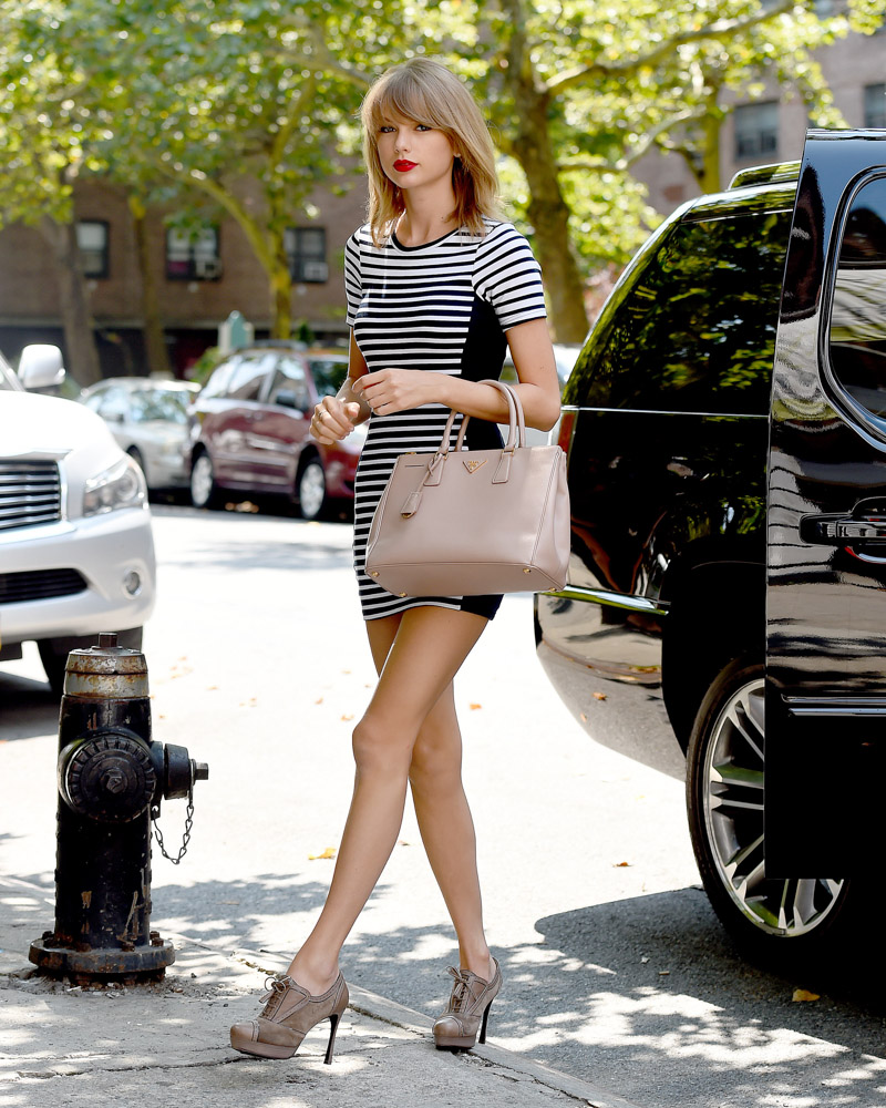 Taylor Swift Prada Executive Tote-3