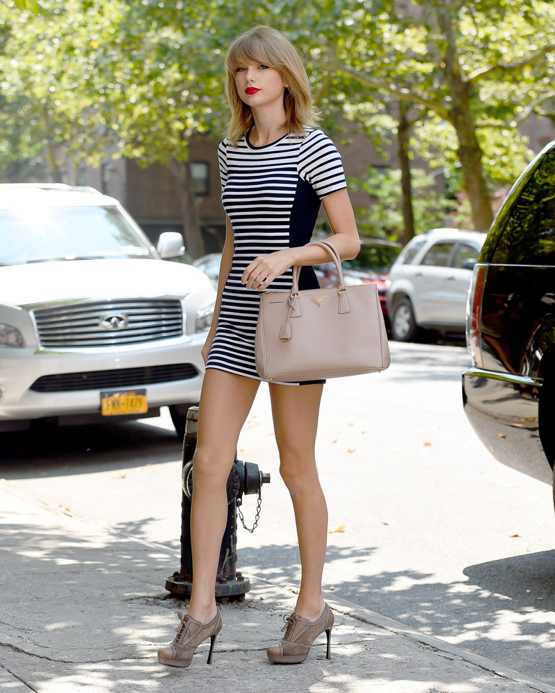 Taylor Swift Prada Executive Tote-4