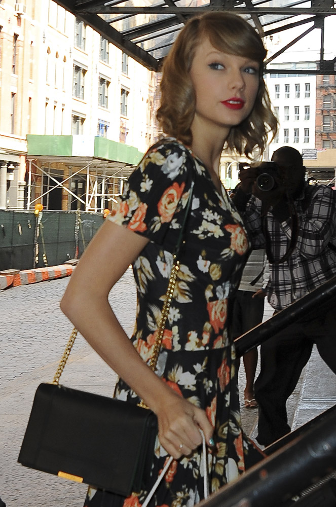 The Many Bags Of Taylor Swift Part 2 Purseblog