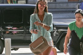 Alessandra Ambrosio's Chloé Bag Perfectly Fits Her California-Casual Style