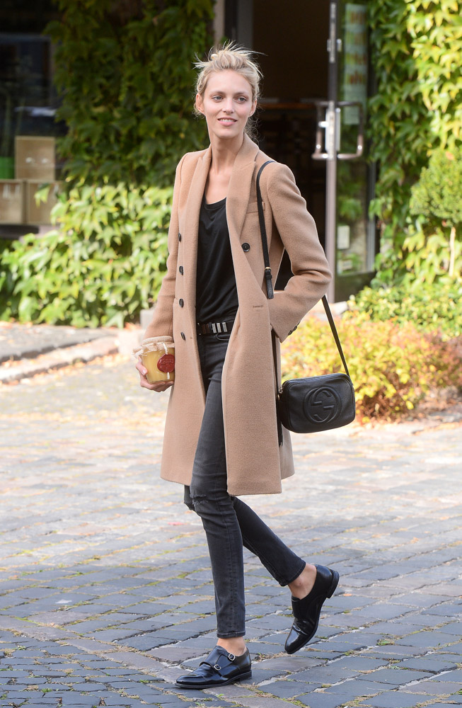 Anja Rubik Does Perfect Model Off Duty Style With A Little