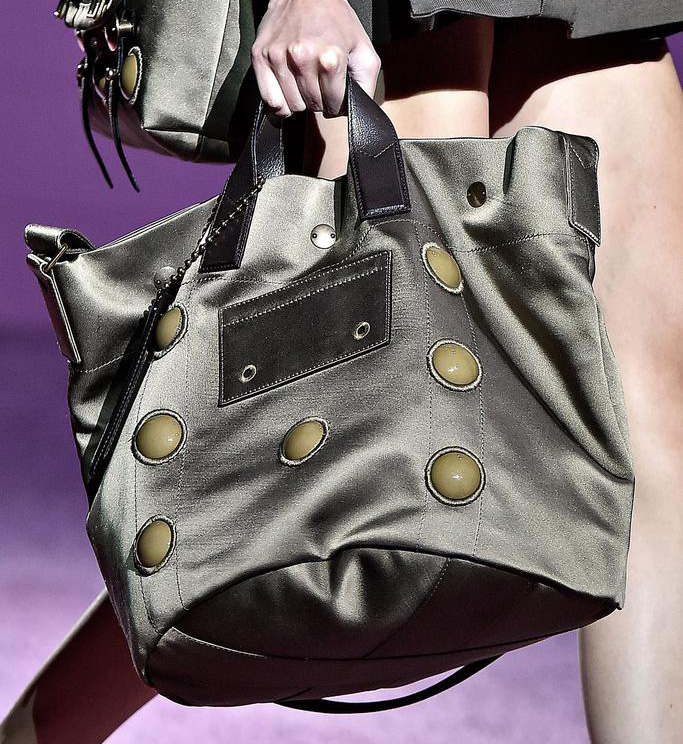 Marc Jacobs Spring 2015 Handbags 17